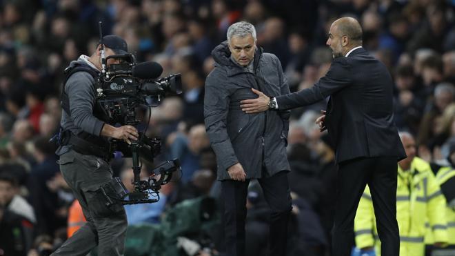 City y United empatan en el derbi de Mánchester