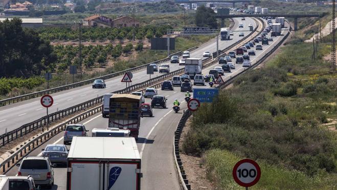 13 muertos en el puente de mayo, con retenciones en el primer día de retorno