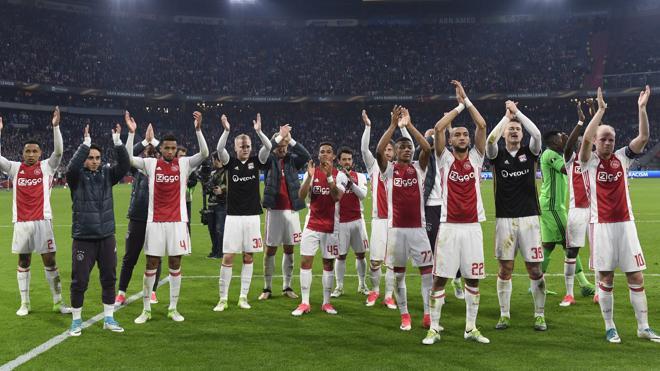 El Ajax doma al Lyon