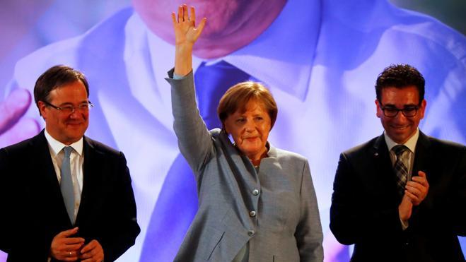El partido de Merkel gana las regionales en Alemania