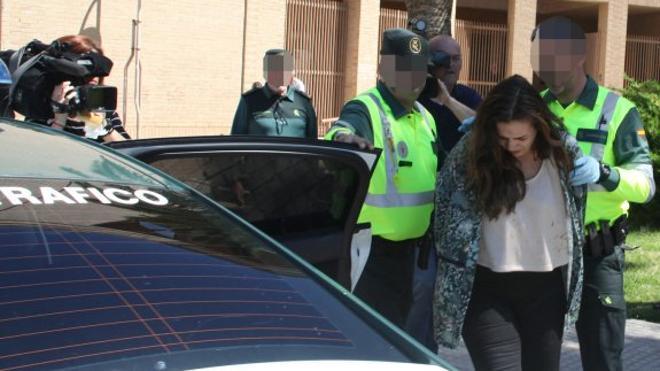 La mujer que atropelló a los ciclistas en Oliva se enteró de lo que pasó por la Guardia Civil