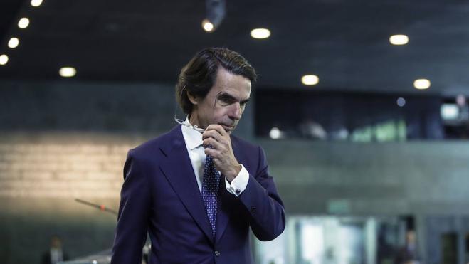 Aznar pide a Rajoy una «agenda de reformas ambiciosa»