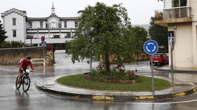 Muere un ciclista atropellado en Navarra