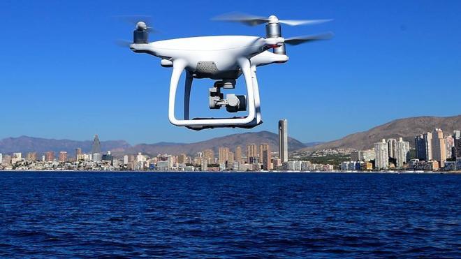 Bruselas propone crear un espacio aéreo europeo para drones que vuelen hasta 150 metros