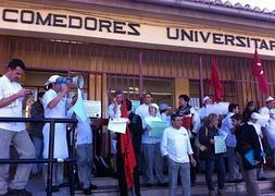 Los trabajadores de los Comedores Universitarios están de huelga | Ideal
