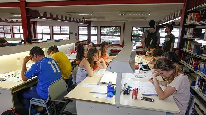 La UGR es el tercer centro andaluz que examina más alumnos en selectividad