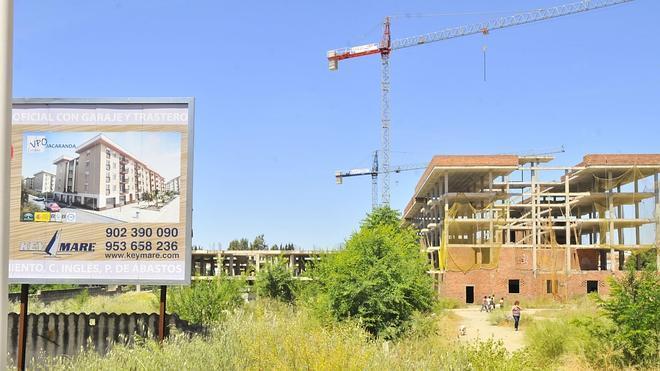 La compraventa de vivienda frena en abril su evolución al alza y sufre una caída del 11%