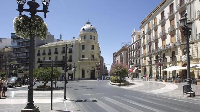 Dos jóvenes infractores realizarán labores de limpieza viaria en Granada