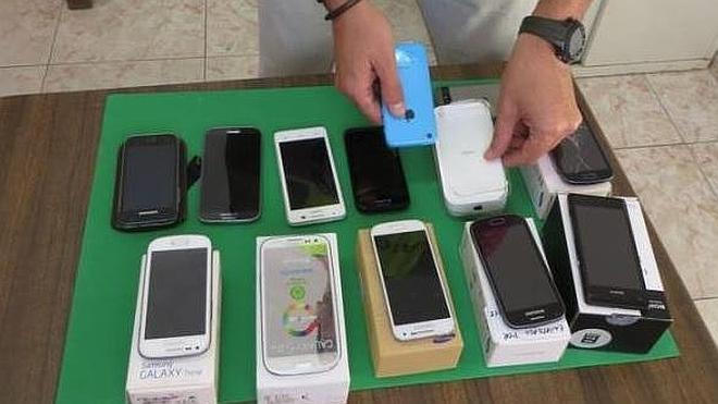 Catorce detenidos por robo y receptación de terminales móviles
