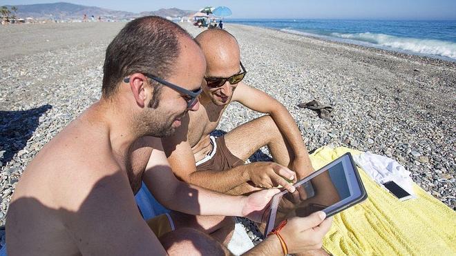 Las playas de la Costa Tropical tendrán wifi gratis a partir de este verano