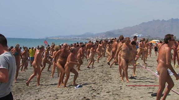 Vera Aprueba Una Ordenanza Que Prohíbe La Práctica Del Nudismo En