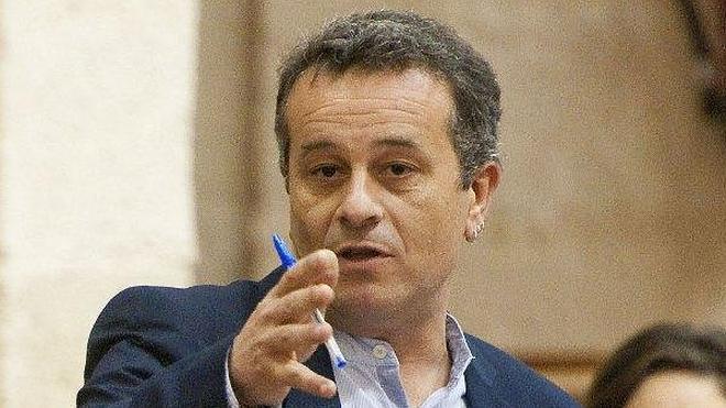IU no descarta pedir la comparecencia de Díaz en el Parlamento por los fondos de formación