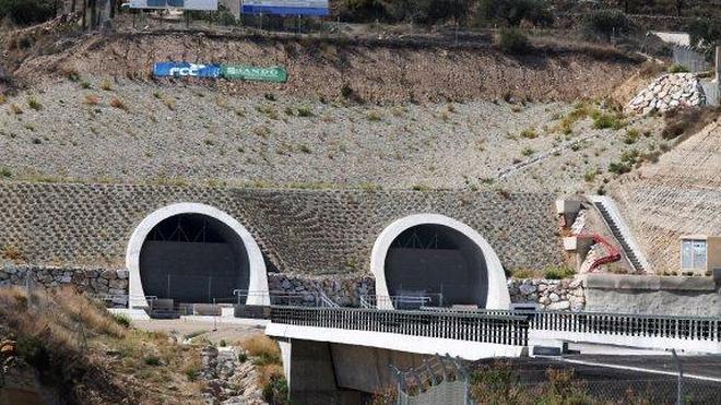 Los socialistas almerienses y murcianos se citan en Lorca para exigir un «impulso» a las obras del AVE