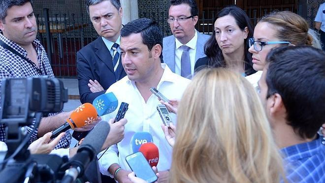 Juanma Moreno reprocha la ausencia de Susana Díaz