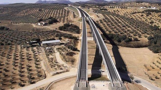Fomento autoriza el montaje de vías del AVE a Granada por 74,21 millones