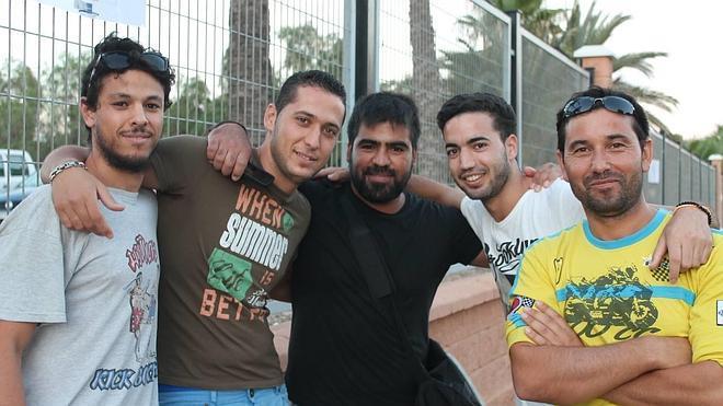 Los primeros extras de 'Clavius' acampan en la puerta del Moisés Ruiz