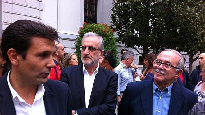 Militantes socialistas constituyen una plataforma en apoyo a la candidatura de Paco Cuenca