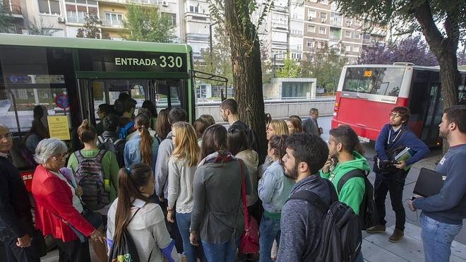 El campus pide más autobuses