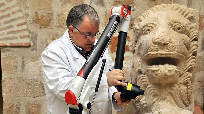 Cetemet presenta los trabajos de digitalización de la estatua del león de Cástulo