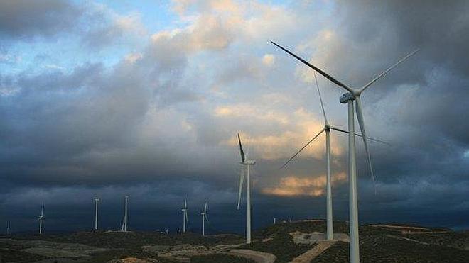 Comarcas de Almería y Granada reivindican la construcción de la línea eléctrica Vera-Granada