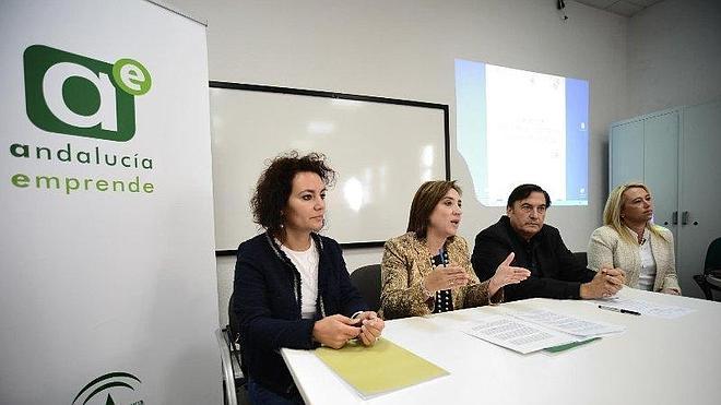 La Junta promueve este año la creación de 238 nuevas empresas en la Costa
