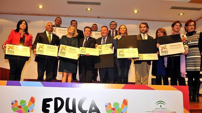 Linares recibe el premio 'EducaCiudad' por su compromiso con la formación en valores