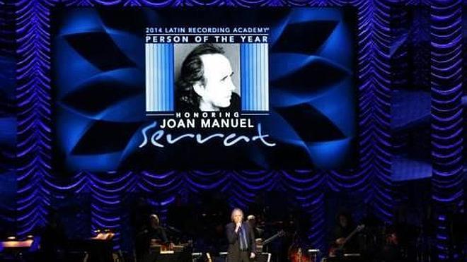 Serrat recibe su Grammy y el homenaje de las estrellas de la música