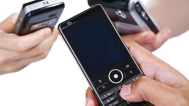 El 67% de los jóvenes nunca apagaría el móvil