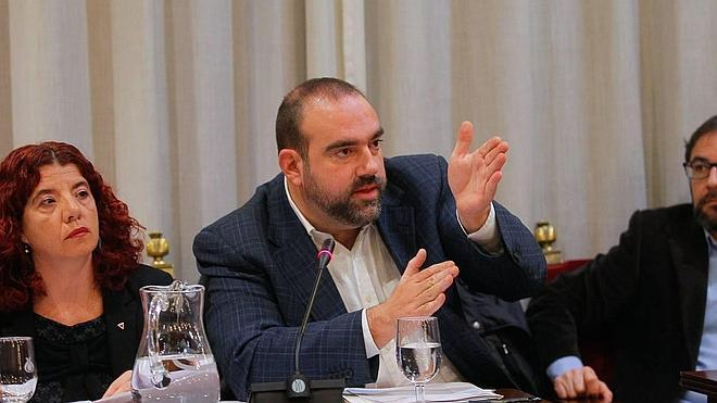 IU pide al alcalde que exija la readmisión de los trabajadores despedidos de Alhambra Bus