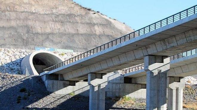 2014 se cierra sin licitaciones de AVE en Almería