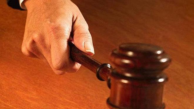 Una madre y una abuela acusan falsamente de abusos al padre de la niña
