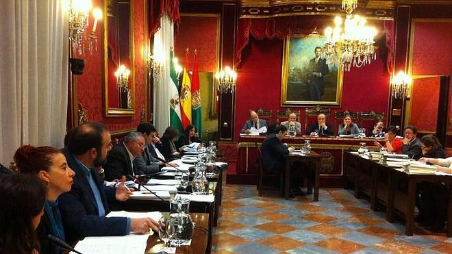 Desencuentro con los Bomberos en el pleno de la capital