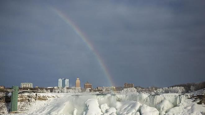 Las impresionantes imágenes de las cataratas del Niágara congeladas de nuevo