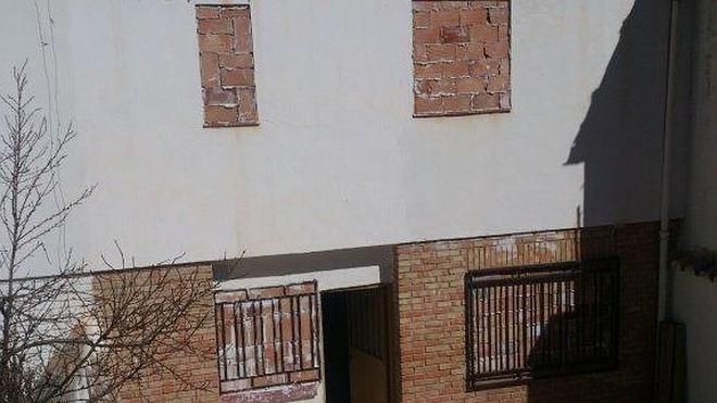 Tapian ventanas para evitar nuevas ocupaciones en Bélmez