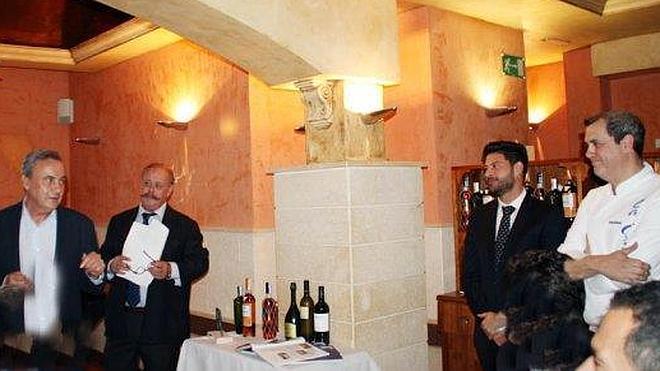 Cosentino recibe el premio Aura en La Costa de El Ejido