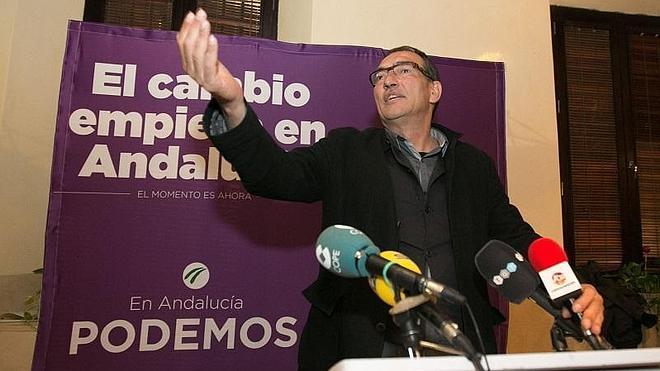 El granadino José Luis Serrano presidirá el grupo parlamentario de Podemos