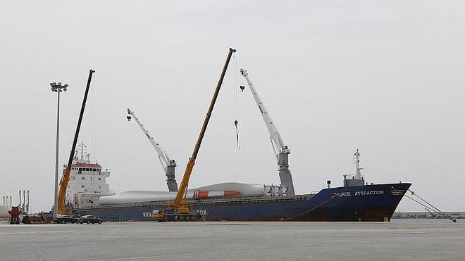 El flujo de mercancias en el Puerto de Motril crece un 1,8 por ciento en el primer trimestre del año