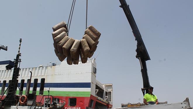 El hachís intervenido en el pesquero frente a Cabo de Gata habría alcanzado un valor de 11 millones