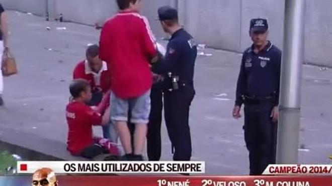Brutal agresión policial a un padre delante de su hijo en la celebración del Benfica