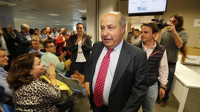 Elecciones municipales en Granada: Batacazo de Torres Hurtado, que pierde la mayoría absoluta