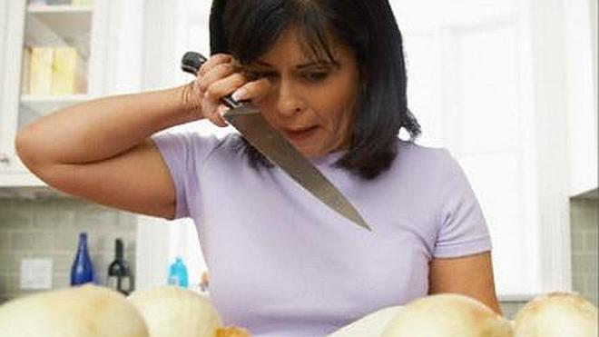 Trucos para no llorar cuando cortamos cebolla