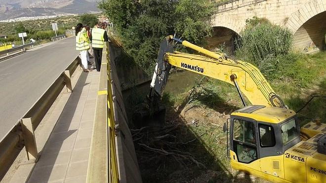 La Confederación Hidrográfica destina 700.000 euros a limpiar los ríos para evitar inundaciones