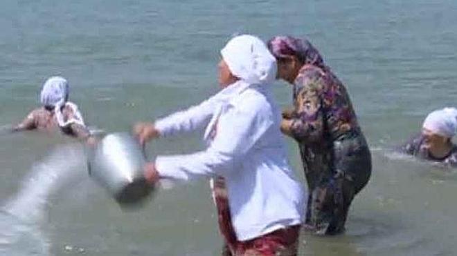 Inauguran una playa solo para mujeres en Chechenia