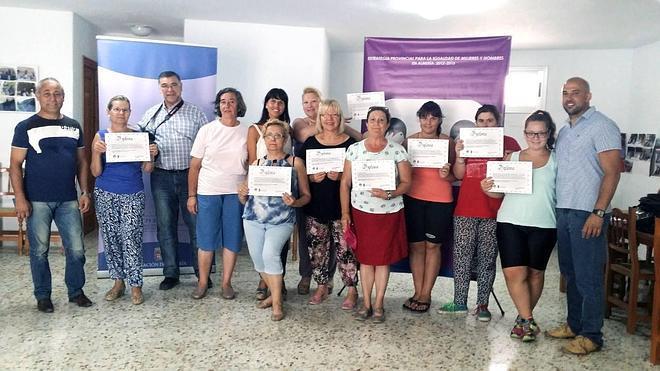 Diputación clausura en Nacimiento un taller de autoprotección ante la violencia de género