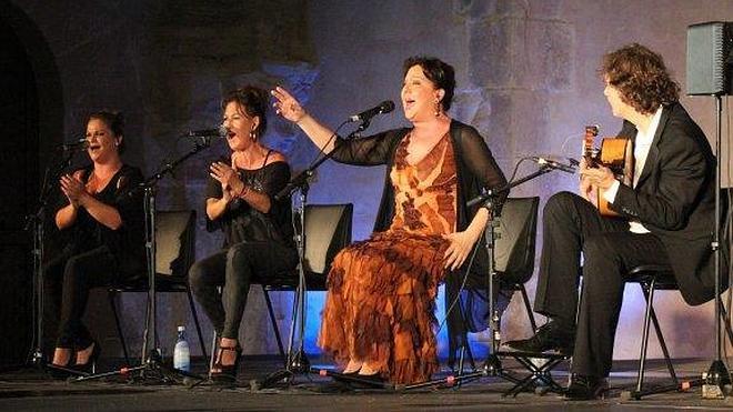 La cantaora Carmen Linares pone el broche de oro al festival Cazorla Flamenca
