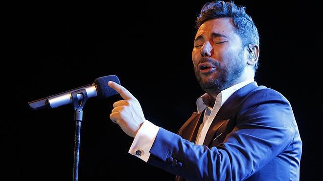 Las tres horas de Miguel Poveda levantan el Festival Flamenco