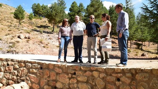 La Junta invierte dos millones de euros en mejorar los caminos forestales en un monte público