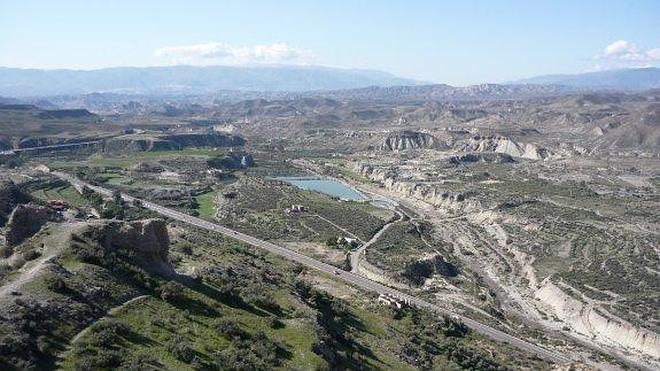 Impulsan un nuevo informe para llevar agua solo a cinco pueblos del Campo de Tabernas