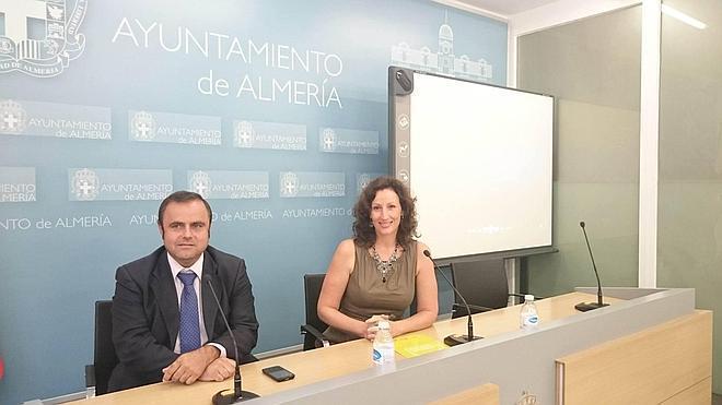 El Ayuntamiento de Almería lanza una campaña escolar de fomento del bus