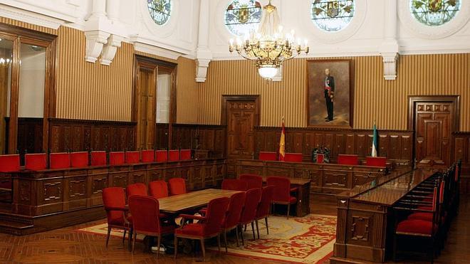 El salón de plenos de Diputación y la Capilla del Hospital San Juan de Dios acogerán bodas civiles
